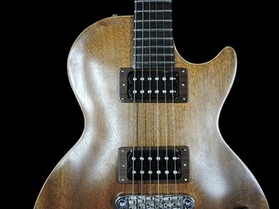 Chitarra elettrica artigianale set-in